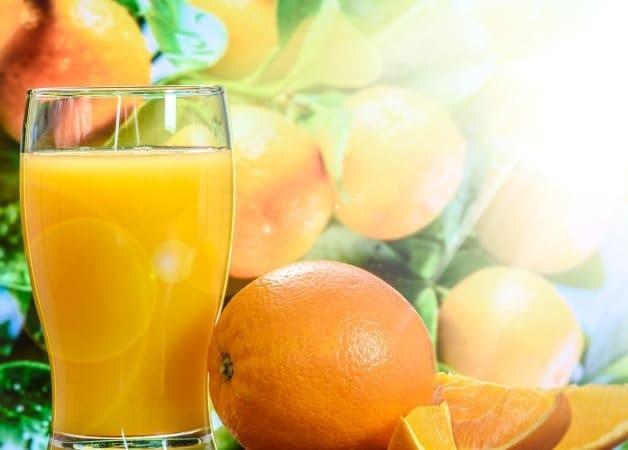 Suc natural ieftin, plin de vitamine si energizant